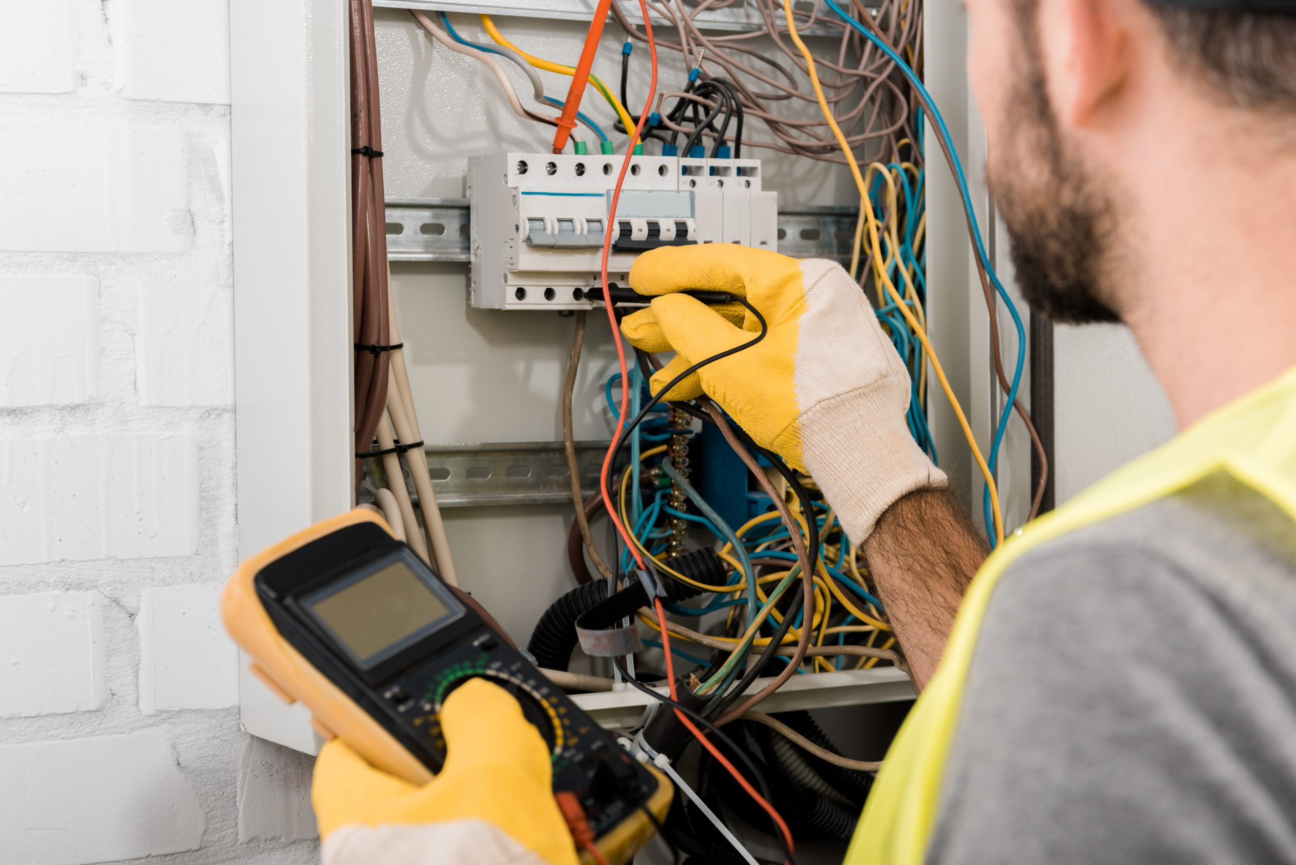 on-call electrician